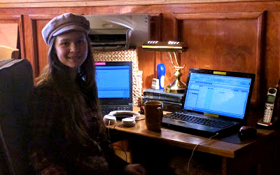 elisabeth-desk-2017.jpg